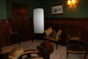 Replica of a 1st class sitting room.